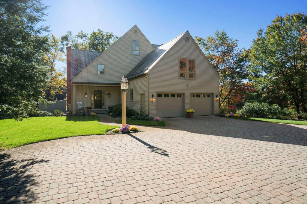 Front Exterior Photograph of 2 Jackson Pond Road in Dedham MA
